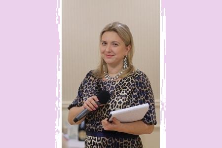 Катерина - ведущая, организатор